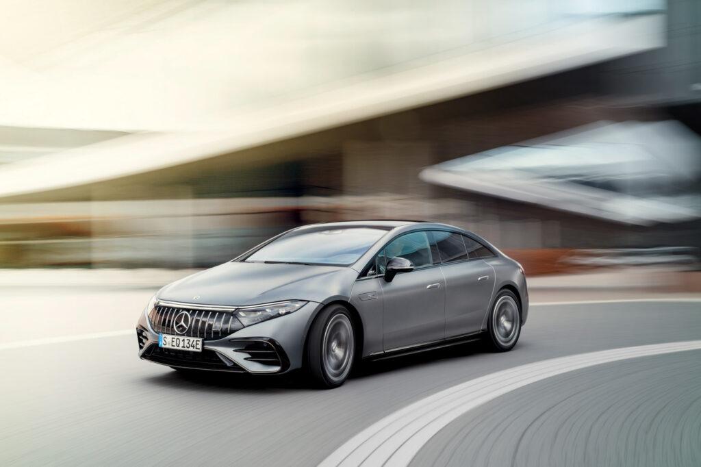 Mercedes-AMG EQS 53 har et batteri på solide 107,8 kWh.