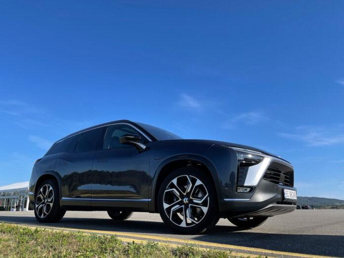 Nio ES8 skal lanseres i september, og vi har fått hilse på den kommende elbilen. (Fotos: Nybiltester)