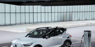 Volvo har snart klar en rimeligere forhjulsdrevet versjon av XC40 Recharge. Her P8-versjonen med firehjulsdrift. (Fotos: Volvo)
