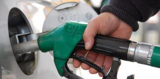 Det blir dyrere drivstoff om regjeringens statsbudsjett går igjennom. (Foto: NAF)