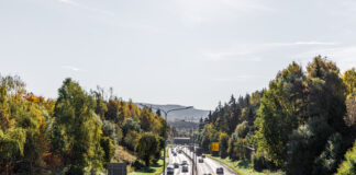I september var det for første gang flere elbiler inkludert lette el-varebiler som passerte bomringene i Oslo enn bensinbiler. (Fotos: Fjellinjen)