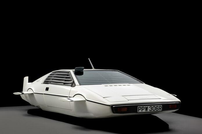 Dette er den mest oppsiktsvekkende Bond-bilen i historien, men er det også den som er verd mest i forhold til den standardutgave av denne Lotus Esprit? (Fotos: Hagerty)