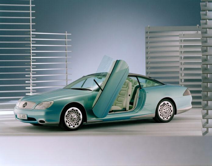 Under Paris Motor Show i oktober 1996 viste Mercedes fram en bil som virkelig kunne kalles en framtids-visjon. (Fotos: Daimler)