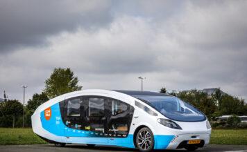 Stella Vita er ikke bare en solcellebil. Den er også en bobil. (Fotos: Mobilize)