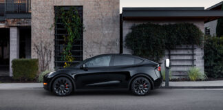 Tela Model Y kom på det norske markedet i sommer, og parkerte både Model 3 og alle andre når det kommer til antall nybil-registeringer i september. (Fotos: Tesla)